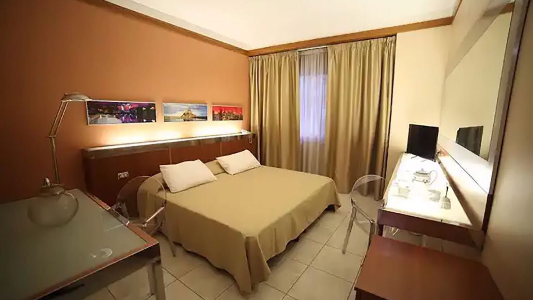 Hotel Artemide - Aversa
