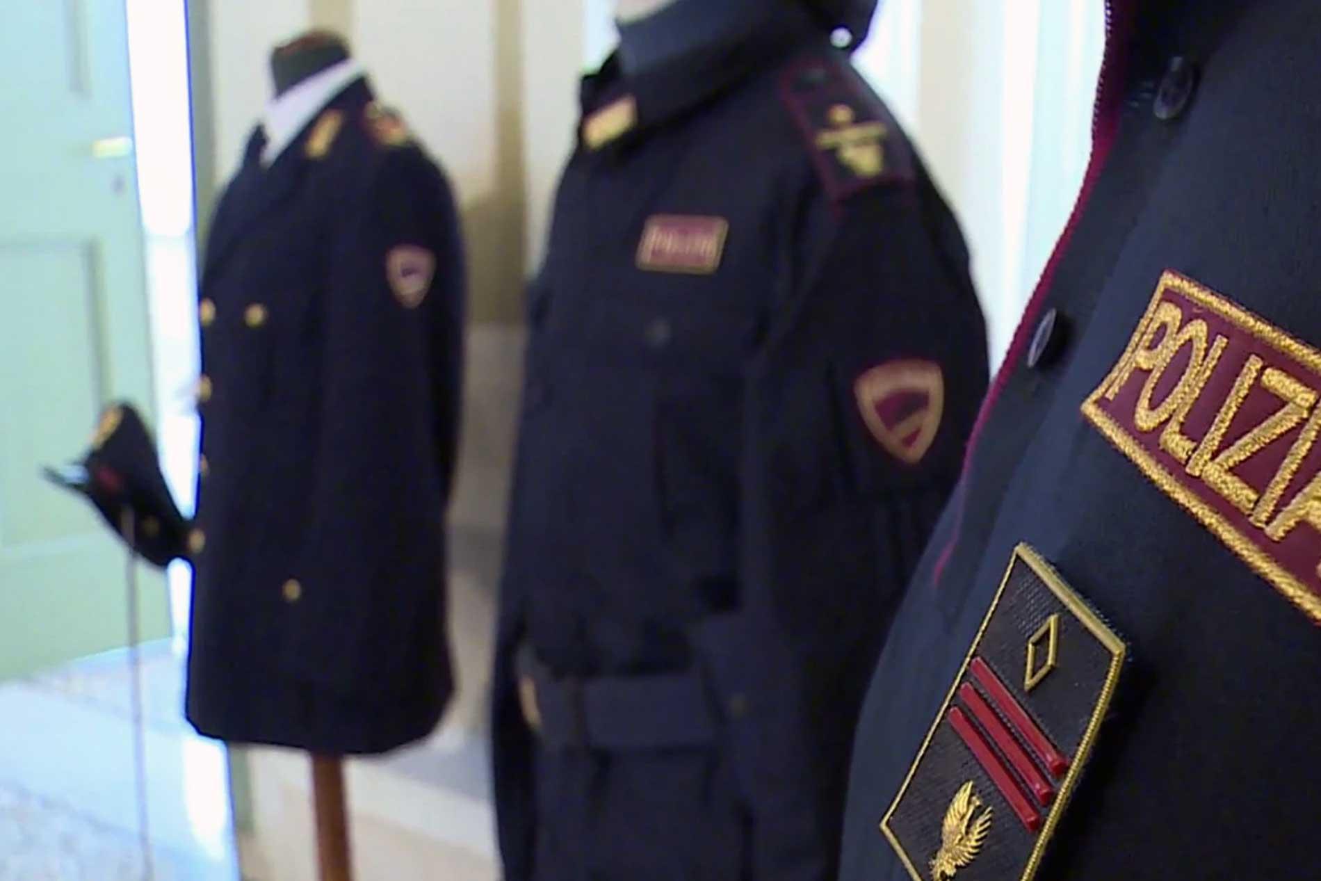 Uniformi Polizia di Stato
